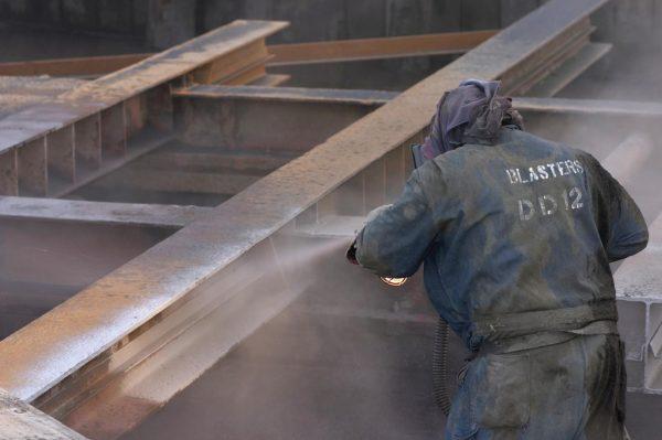 3 techniques pour traiter facilement les surfaces des métaux